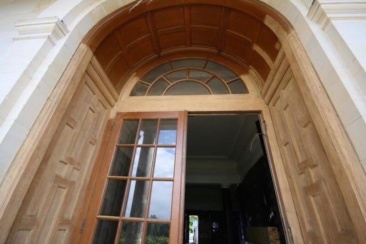 Oak door restoration - varnishing