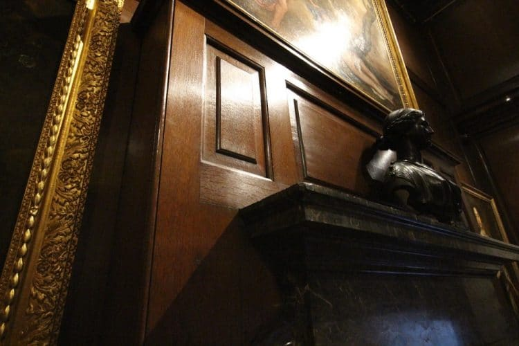 Wood panelling restoration header image