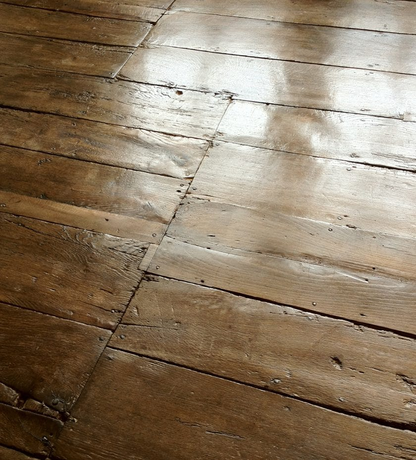 Oak Wooden Flooring Restoration Using Traditional